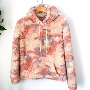 Abercrombie & Fitch Camo Sherpa Pullover Hoodie